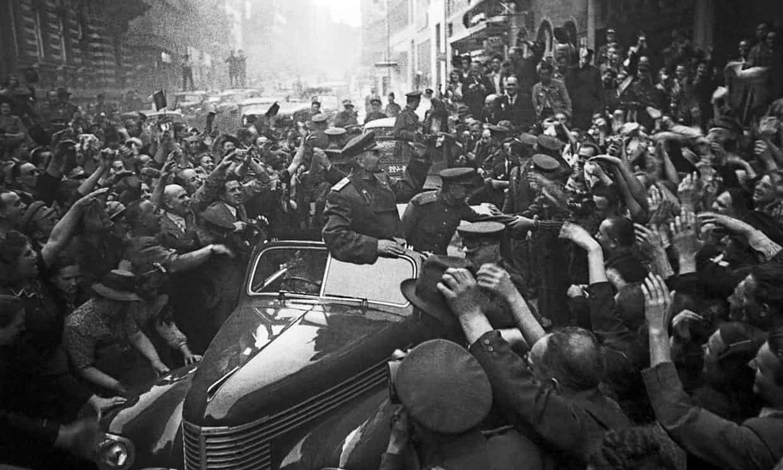 Маршал Конев в Праге, 1945 г.